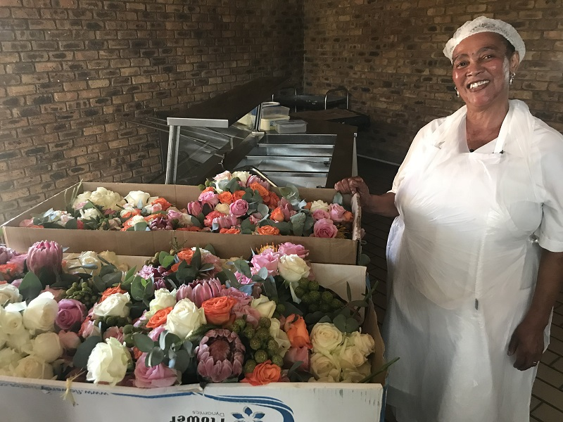 The flowers from the event were still in gorgeous condition, and will do much to brighten up the old age home for it's residents.