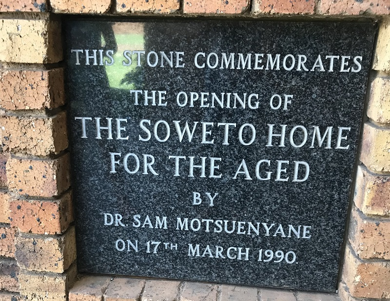 Soweto Home for the Aged sign -800